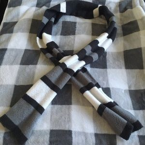 B2G1! Black, White, and Gray Scarf
